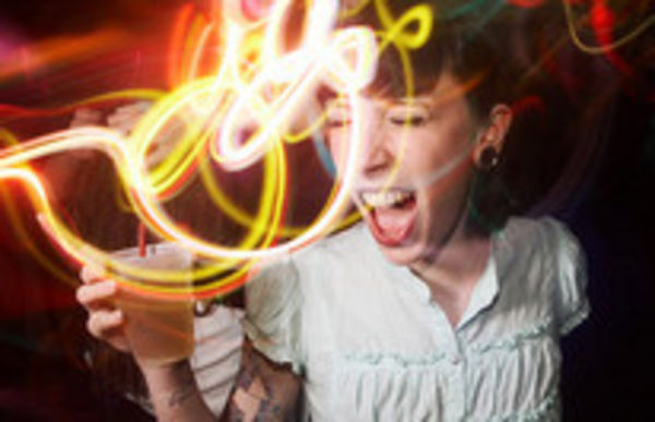 Особенности клубной фотографии: http://prophotos.ru/lessons/9535-klubnaya-fotografiya