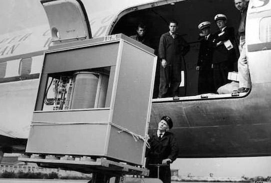 Потребуется 21 диск IBM 1956 года, чтобы сохранить один RAW-файл из D800