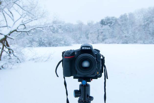Скачать на телефон обои фото картинку на тему объектив, фон, макро, фотоаппарат, широкоформатные, hi-tech, обои