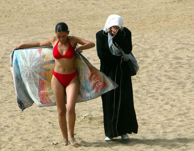 Зора Бенсемра — арабская женщина-фотокорреспондент